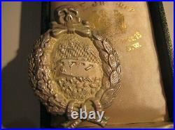 German WW I rare tank fight medal from Juncker in old case original badge silver
