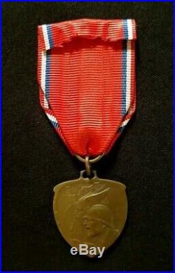 Médaille de Verdun 1916 en bronze par Mattei WW1 French Verdun Medal by Mattei