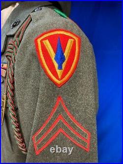 Original WW2 WWII USMC Uniform 5th Marine Division with Medal & Ribbons