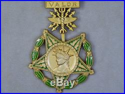 US ORDER WW2, Army, Navy, Air force, Current Versions OF MEDAL HONOR RARE