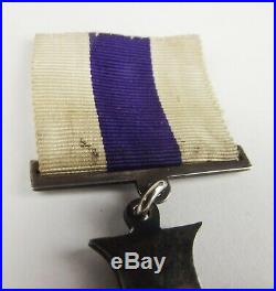 WW1 Cased Military Cross Medal With Collar Badges Capt. J. McMechan Royal I