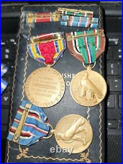 WW2 FLYING CROSS IN BOX With CLUSTTERSAND RIBBON + 6 MEDALS AND RIBBONS SEE STORE