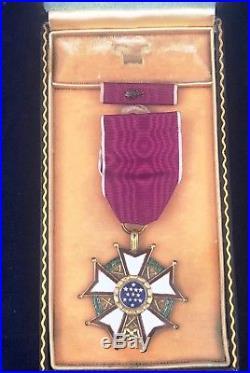 WW II, US Legion of Merit Legionnaire Medal with Ribbon Bar in Case, # 10399
